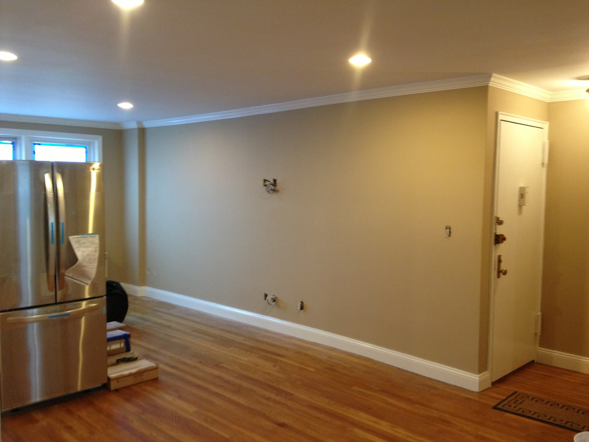 Tan painted roomscomplete apartment painting carpentry in for Michael j arlen living room war